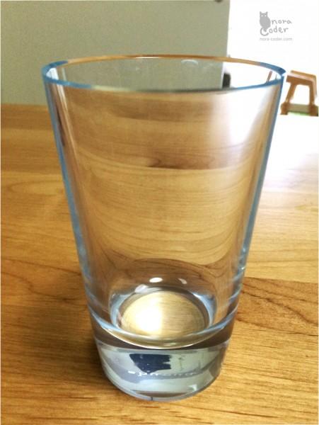 シンプルなグラス